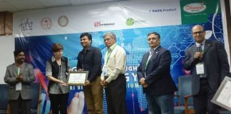 (l-r) Dr. Prakash Babu, Pro-VC University of Hyderabad, Dr. Nina Federoff, Molecular Biologist from USA. Second Best Startup- Sridhar Iriventi, Founder of GoBhaarati, Dr. Reddanna, Executive President, FABA, Phani Pattamatta Executive Director, The Indus Entrepreneurs, Dr. Sreedhara Voleti, CEO BioNest University of Hyderabad.