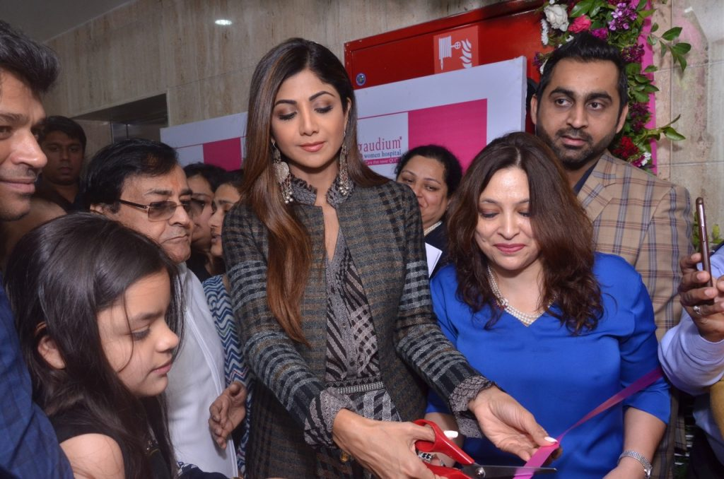 World Renowned IVF specialist Dr Manika Khanna's Gaudium Women Hospital inaugurated by Shilpa Shetty