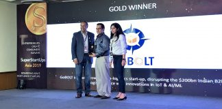 Mr. Sumit Sharma, Co-Founder of GoBOLT (Centre) receiving the SuperStartUps Asia award