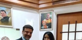 Ms Amruta Fadnavis Crowned as World Peace Ambassador by Dr. Huz - Founder - The World Peacekeepers Movement